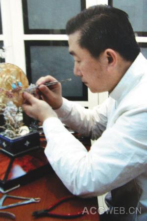 中国工艺美术大师刘红宝