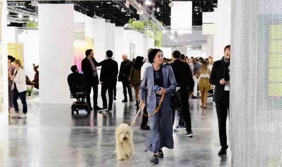 塞尔艺术展全球艺术之旅的第三站在迈阿密海滩举行
