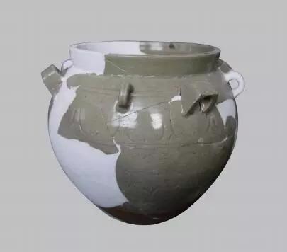 ▲青釉瓷罐