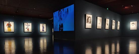 逄小威中外文化名人肖像摄影作品展亮相国家大剧院