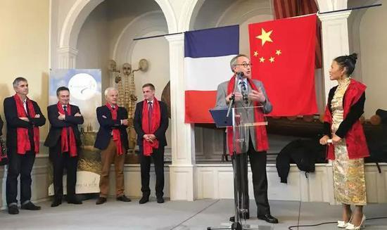 法国诺曼底大区议会主席Hervé Morin的特使 诺曼底大区议员、库塘斯副市长简-曼纽。库赞(Jean-Manuel Cousin)先生致辞