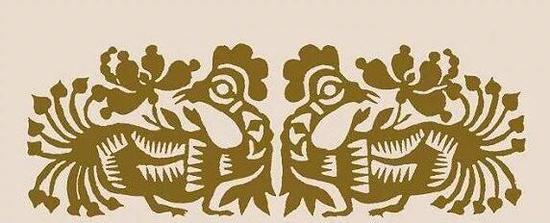 山西对鸡剪纸,鸡在民间艺术里象征辟邪护生、生殖繁衍。