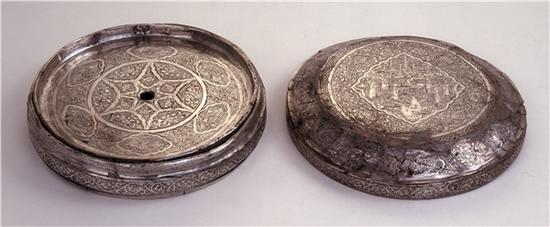 大英博物馆藏银镜盒内部结构