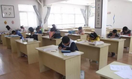中国书画等级考试现场