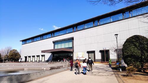 1月22日,进入东京国立博物馆平成馆参观的观众。张连昆/摄