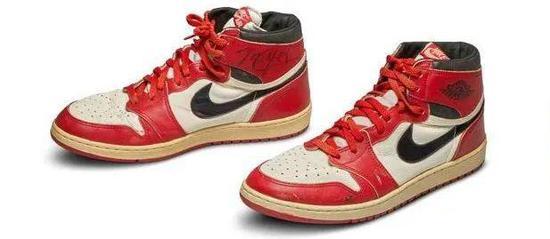 一双球鞋,凭啥疯狂溢价近万倍?