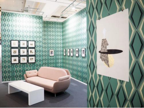 2018年迪拜艺术博览会上KristinHjellegjerde画廊一角 拍摄:ArsalanMohammad