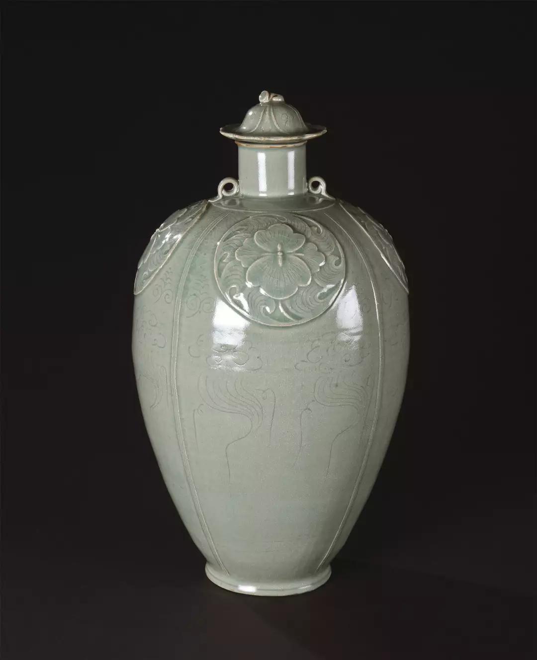 Lot 0224 清代(1644-1911) 斗彩鸡缸杯