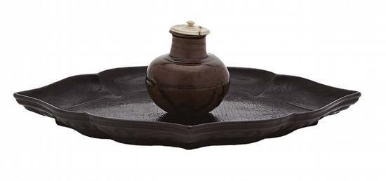 南宋时代12~13世纪《唐物丸壶茶入(宗及丸壶)》,附菱形内黑外云纹盆