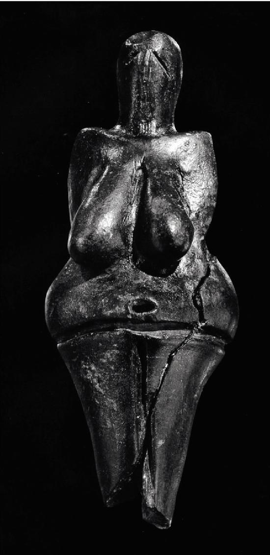 從藝術品出發尋找歐洲 舊石器時代母性崇拜的依據