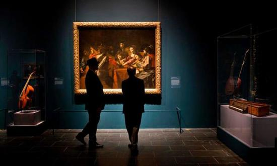 公众参观纽约大都会艺术博物馆