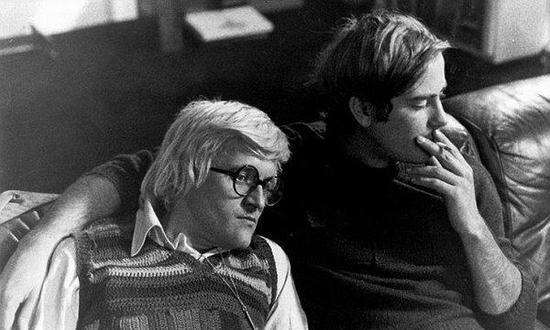 大卫·霍克尼(左)与其前男友彼得·薛斯辛格