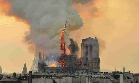 巴黎圣母院首度曝光火灾后内部情况