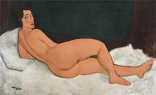 意大利画家亚美迪欧·莫迪瑞安尼(1884~1920)1917年作《向左侧卧的裸女》油画(2018年纽约苏富比1.57亿美元成交)