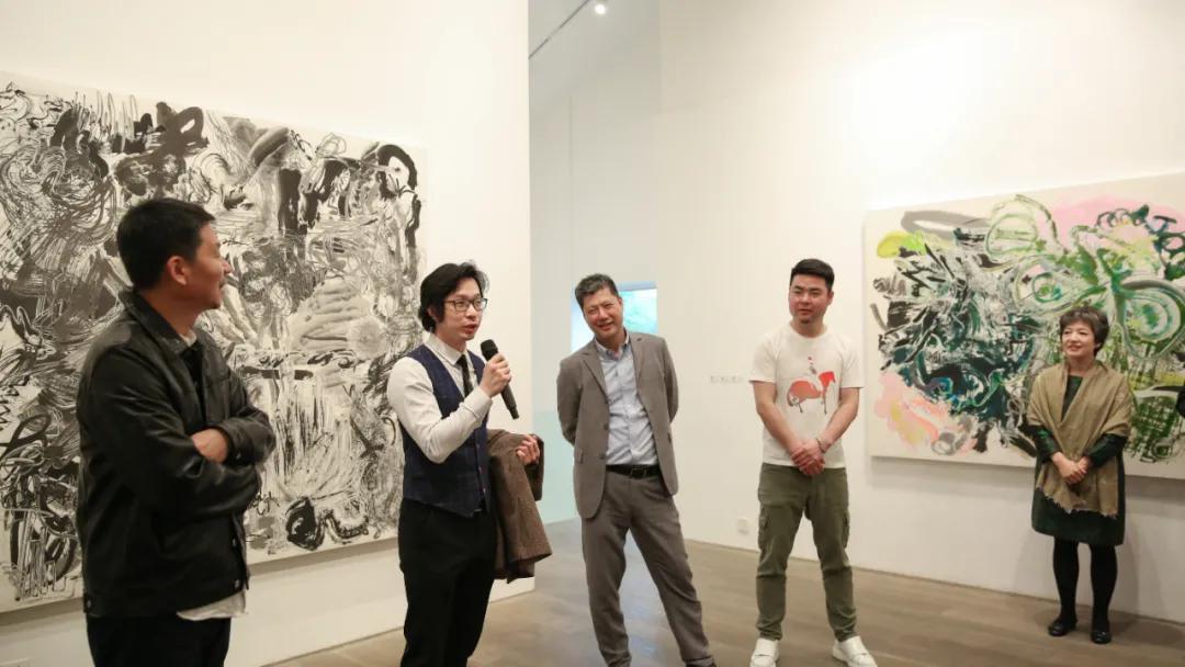亚洲艺术中心李宜霖、東京画廊迟丽萍、艺术家沈克龙、郑江先后与现场观众对话