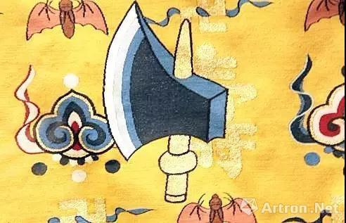"""黼,即斧头,取其""""割断""""(果断),象征帝王干练果敢。"""