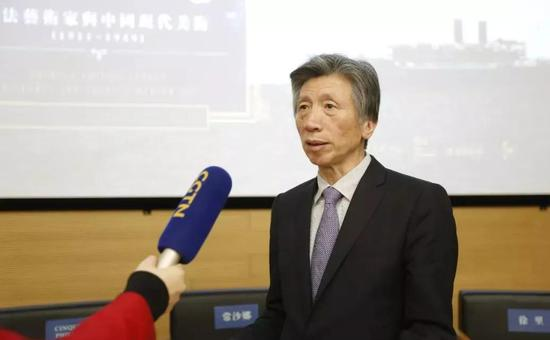 范迪安院长接受中央电视台采访