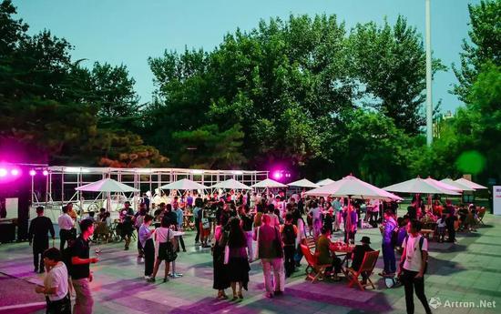北京当代·艺术展餐饮休闲区