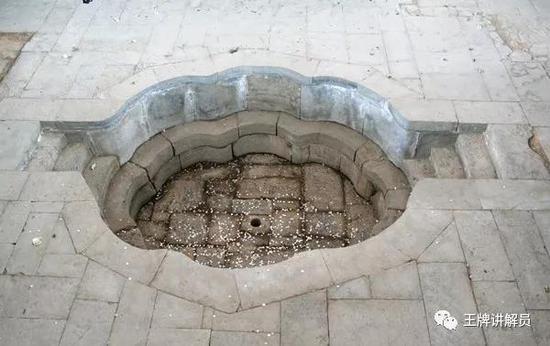 """陕西西安华清宫遗址的""""海棠汤""""浴池,可能为杨贵妃专用"""