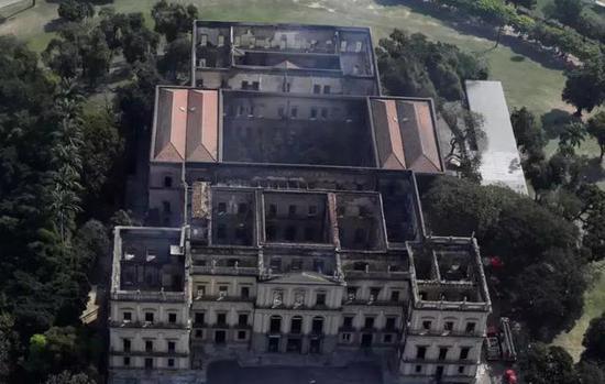 大火过后的巴西国家博物馆。图/AFP
