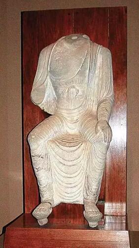 唐代 8世纪 天龙山石窟第21窟如来像