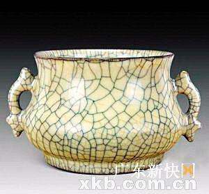 ■宋哥窑鱼耳炉,拍卖价:1008万元