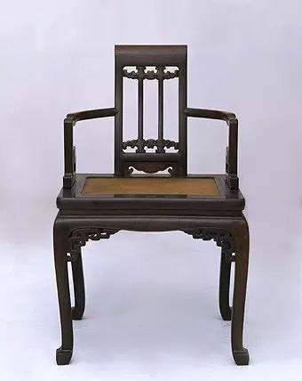 紫檀云纹藤心扶手椅 高91cm,长54.5cm,宽43.5cm