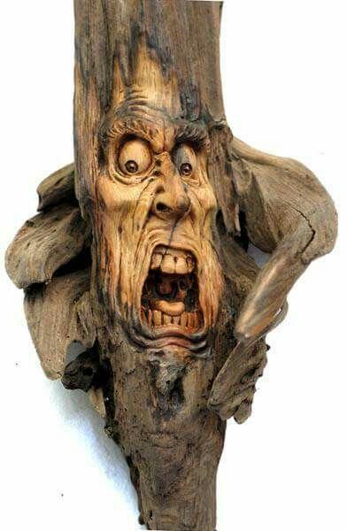 根据木头的形状做相应的造型,主要以人物头像为主!