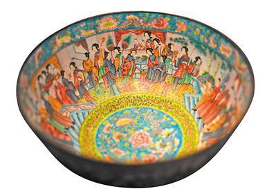 人物纹铜胎珐琅大碗