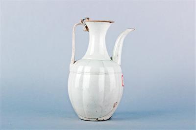 南宋青白釉瓷执壶