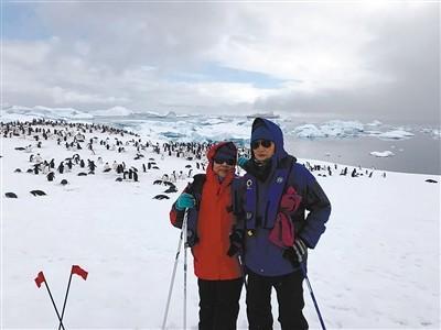 陈爷爷夫妻俩在南极