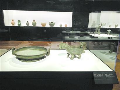 《吉金鉴古:皇室与文人的青铜器收藏》大展现场。