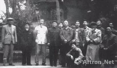 1960年9月,以傅抱石为团长的江苏省国画工作团进行了六省十余市的写生