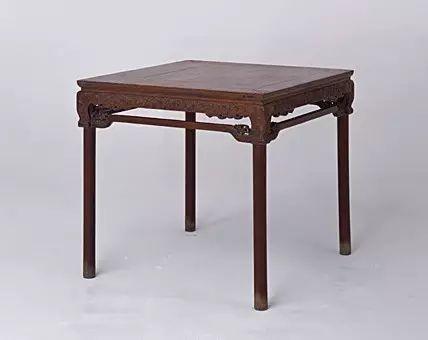 黄花梨梅花纹方桌 明 高86cm,长93.5cm,宽91.5cm
