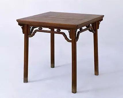 黄花梨云头纹方桌 明 高86cm,边长90cm