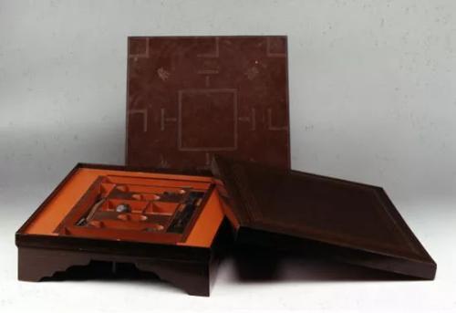出土的现存最早最完整的一套博具。来源:湖南省博物馆