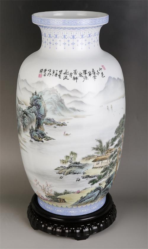 《家国山河》珐琅彩大瓶