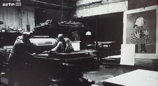 毕加索在创作《玛雅》版画,曾在沈阳、青岛、西安、四川展出