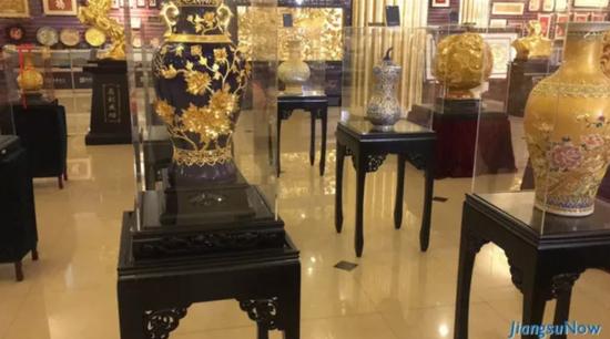 老外学非遗:金陵金箔故宫修缮用了247万张