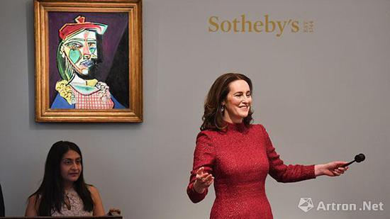 当地时间2月28日伦敦苏富比印象派与现代艺术夜拍现场,图片来源:苏富比