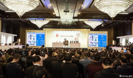 北京保利2017年秋拍震古烁今・从北宋到当代的中国书画夜场拍卖现场
