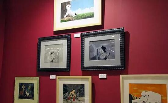 博览会现场展出手塚治虫手描卡通作品