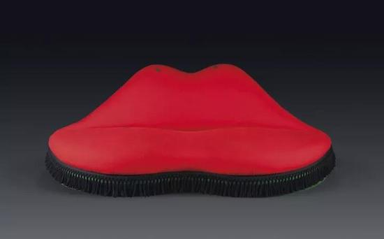 Mae West Lips Sofa,Salvador Dalí,1938年