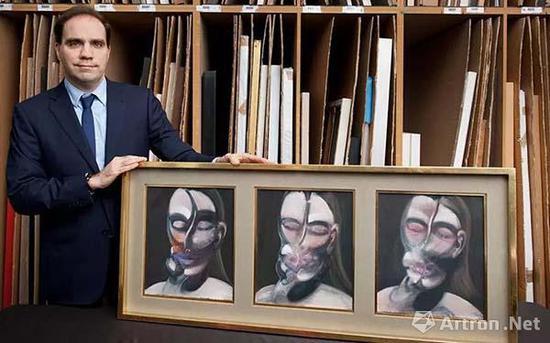 佳士得伦敦战后及当代艺术部主管Francis Outred与法兰西斯?培根的重要作品《三幅肖像画习作》