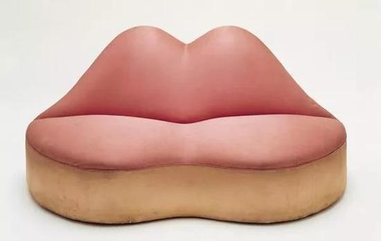 第一支红唇沙发
