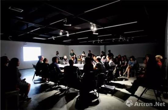 """""""多维向度——当代绘画平面的重构问题""""四川大学当代绘画研讨系列工作坊现场"""