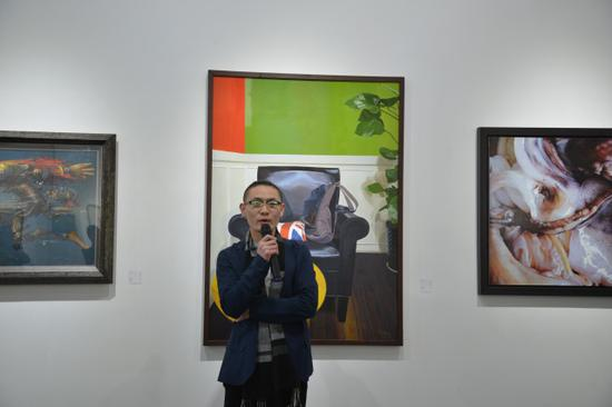 介于手绘系列图书总策划、艺术家、凤凰含章艺术中心经理、运营总监陈晓杰