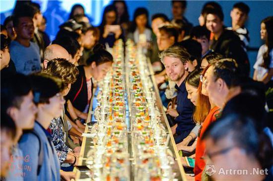 """2017年华·美术馆举办的""""吃设计""""展览现场"""