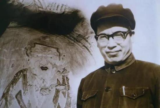 1962年,宿白先生在敦煌莫高窟