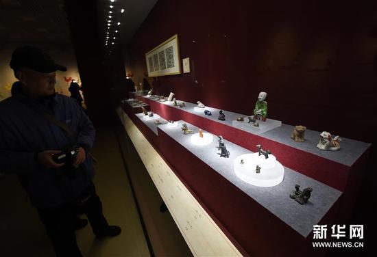 """(文化)(6)南京博物院举办""""幸运狗""""院藏犬文物展"""